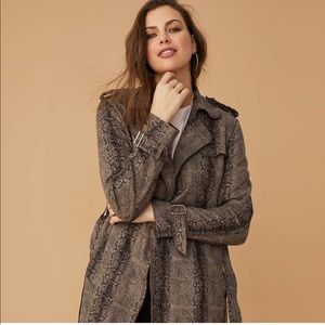THE NEW MODERN TRENCH COAT PHYTON PRINT